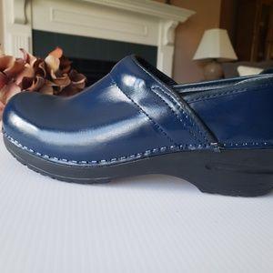 Metallic Blue Sanita Danish Pro Leather Clogs 37,7